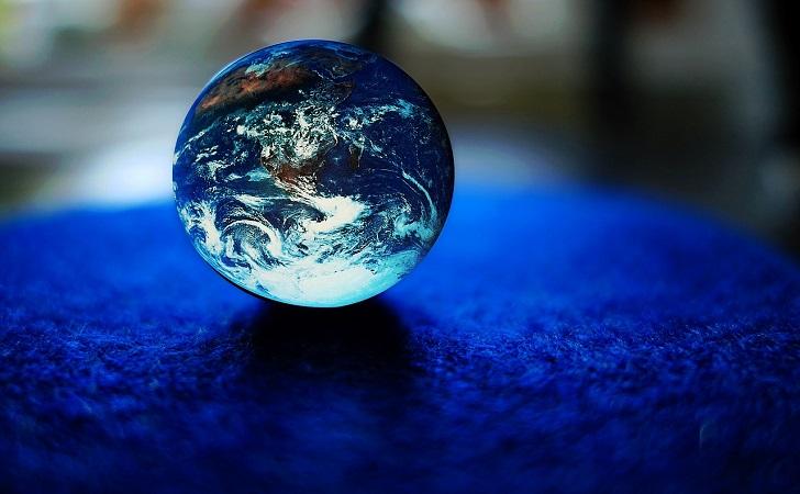 世界とともに成長する分散投資
