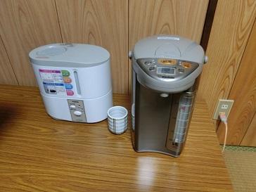 加湿器と電気ポット