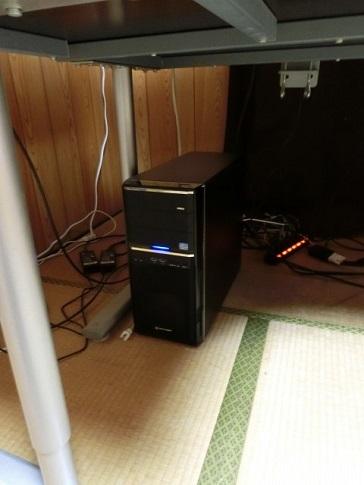 デイトレード用の6画面パソコン