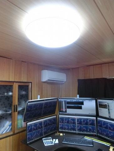 トレーディングルームの照明